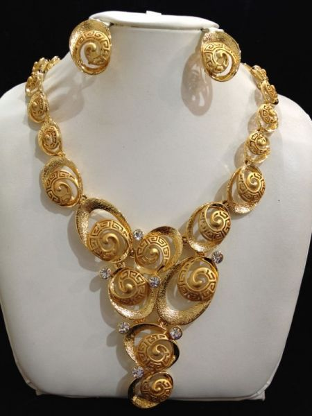 gold necklace set price review and in Kuwait Kuwait City