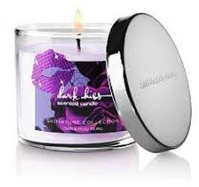 Bath And Body Works Round Dark Kiss Scented Candle 411g