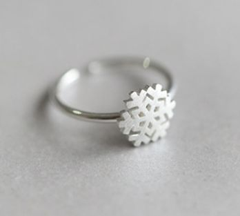 Simple style sterling silver ladies ring