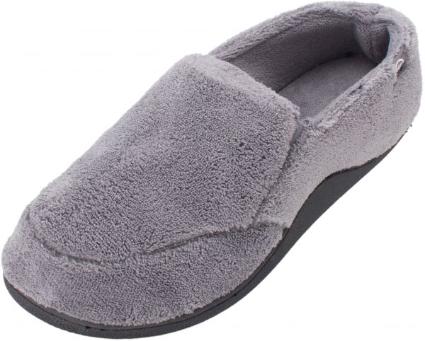 c815c07b825a ISOTONER Men s Microterry Slip on Slippers