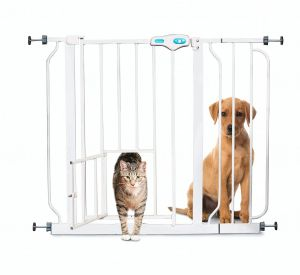 Carlson Pet Products 0930PW Extra Wide Walk-Thru Gate with Pet Door White