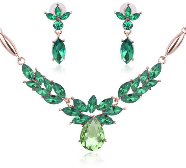2Pcs Green Flower Shape Studded Water Drop Shape Pendant Necklace Earrings Sets